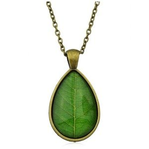 Jewelry - Green Leaf Grain Pendant Necklace